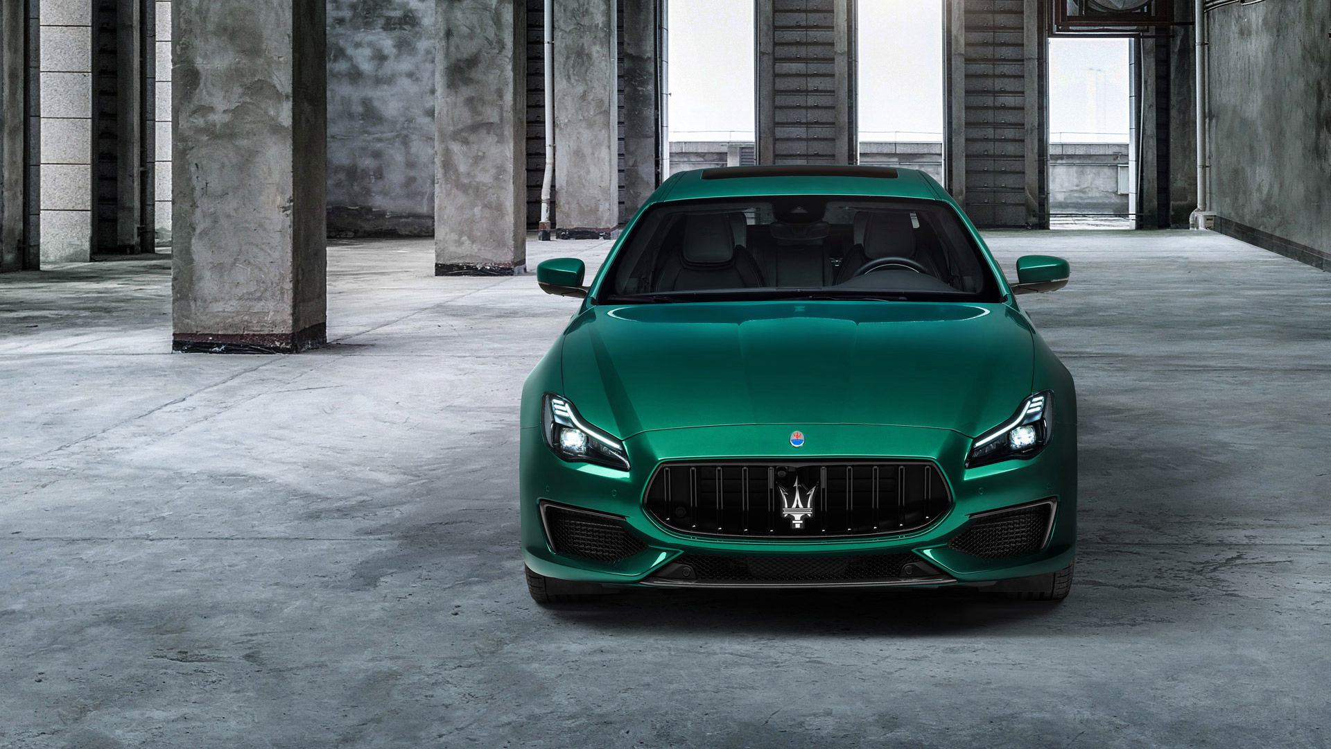 Maserati Quattroporte Trofeo - Grün - von vorne
