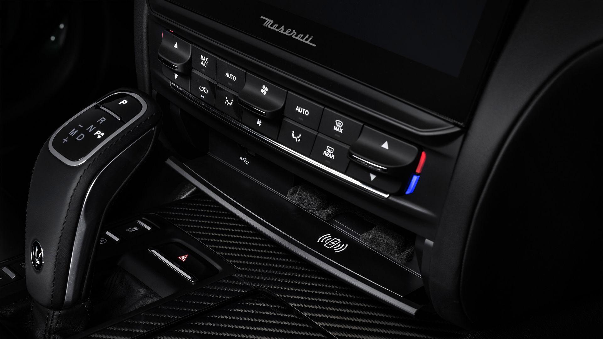 Maserati Kabelloses Laden - Interieur - Trofeo