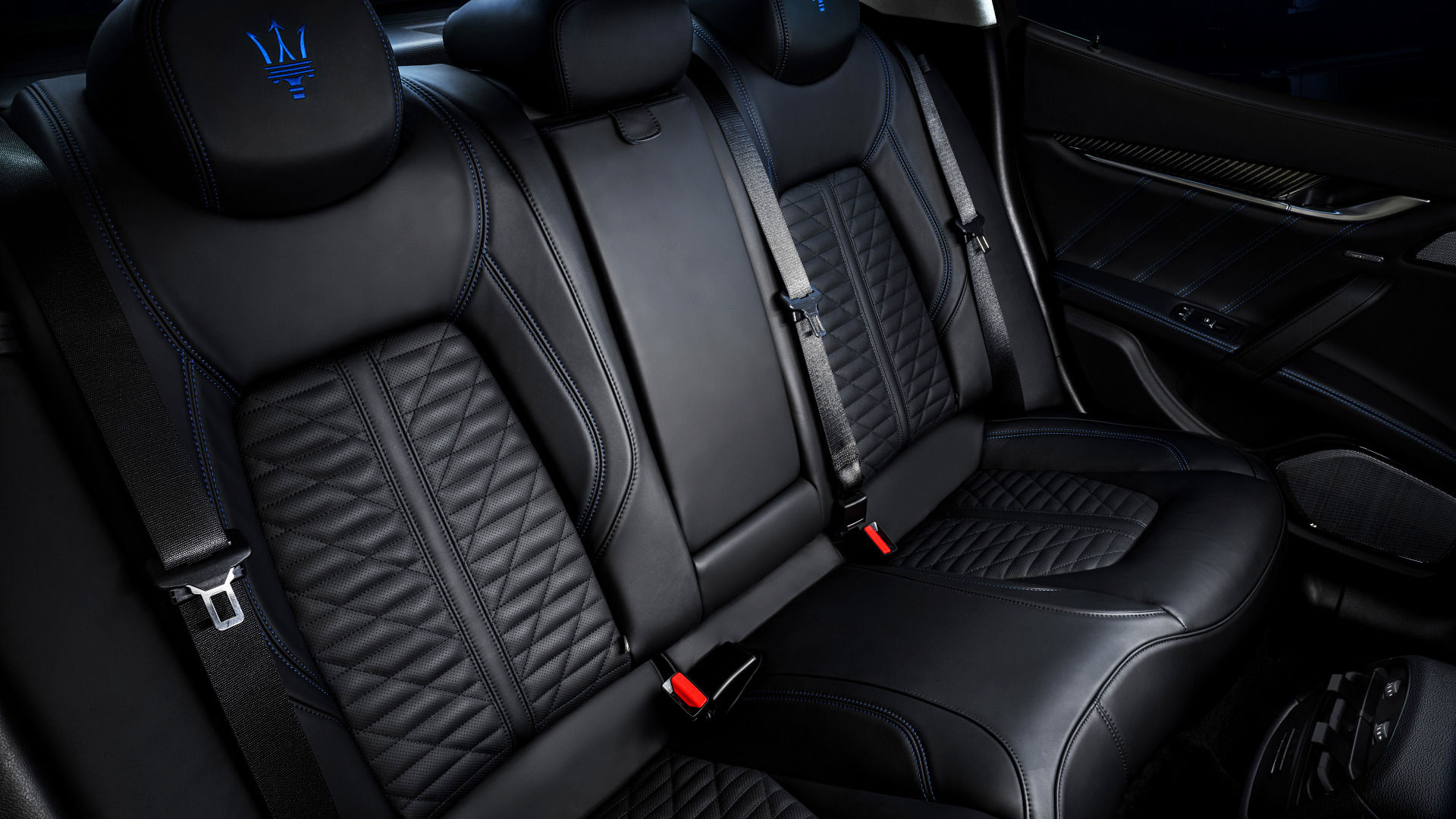 Maserati Ghibli - Interieur - Grau - Nahansicht der Rücksitzbank