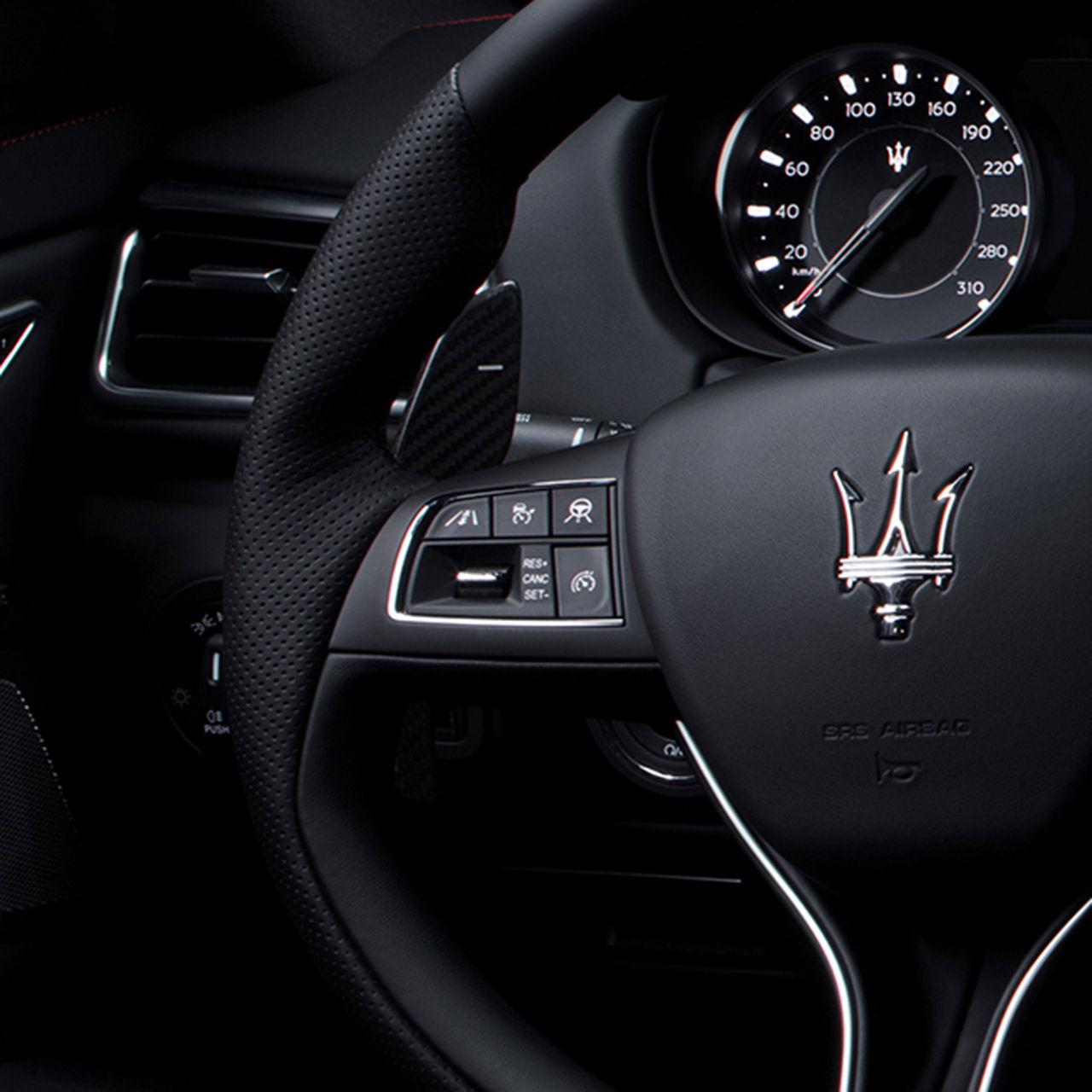 Maserati Ghibli - Lenkrad - Interieur