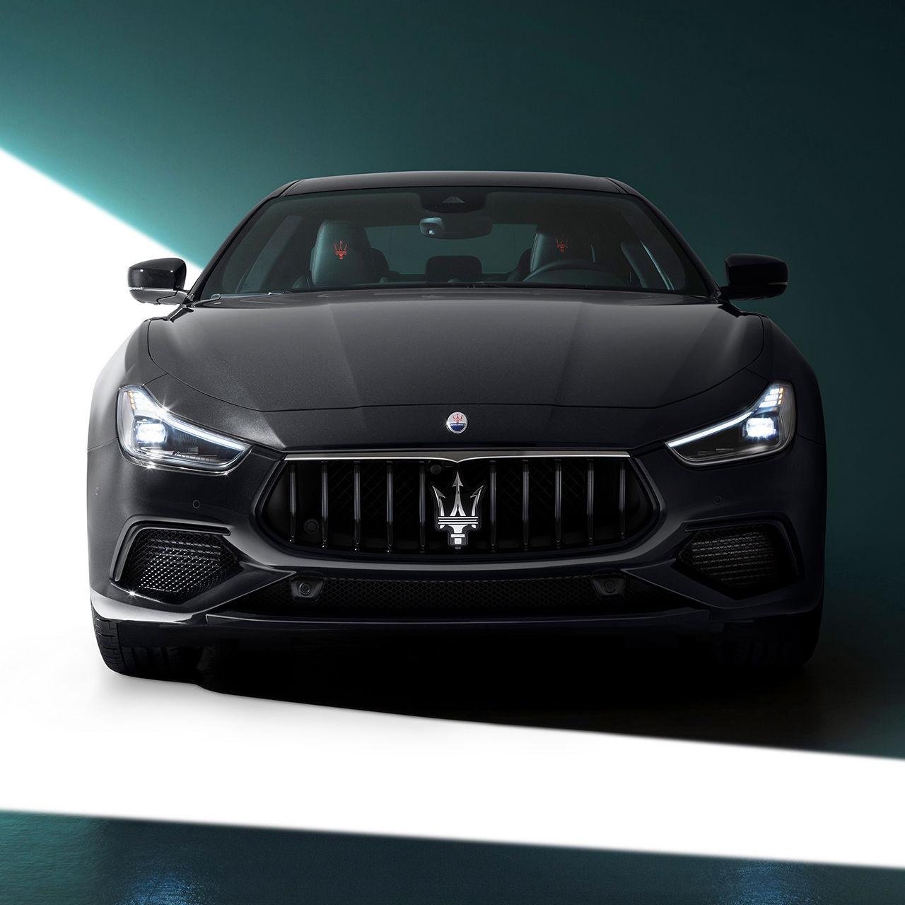 Maserati Ghibli - Frontansicht - Schwarz