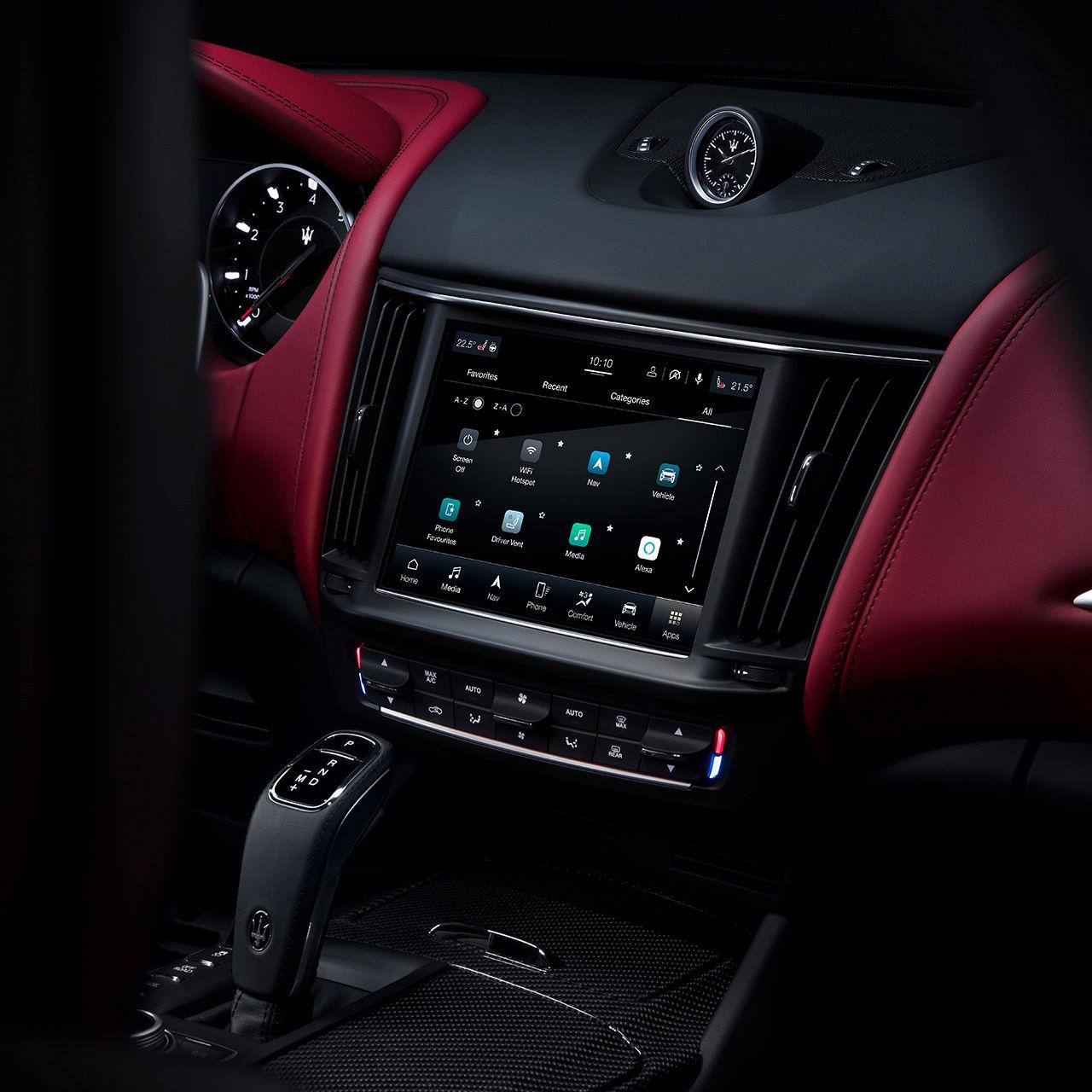 Maserati Levante - Maserati Connect Display