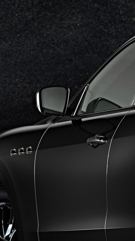 Maserati Levante Trofeo - Nerissimo - Von der Seite