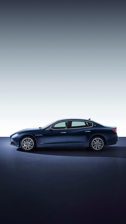 Maserati Quattroporte - Blau - Von der Seite