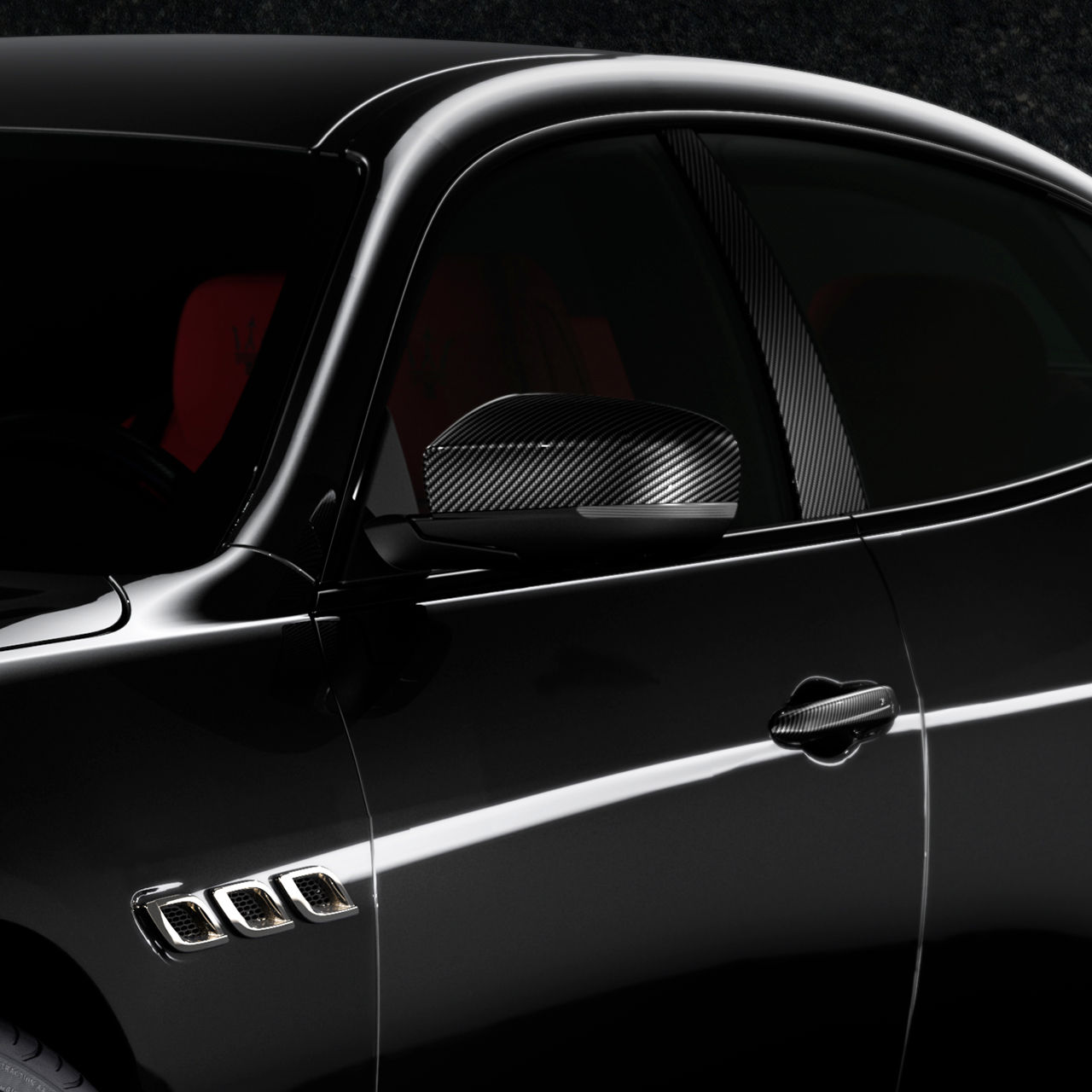 Maserati Quattroporte Nerissimo - Seitenansicht