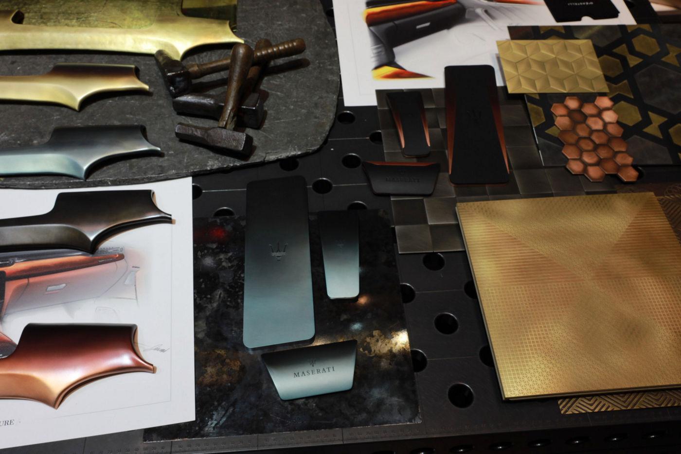Maserati Crafting Italian Experiences: Metallverarbeitung im Showroom De Castelli