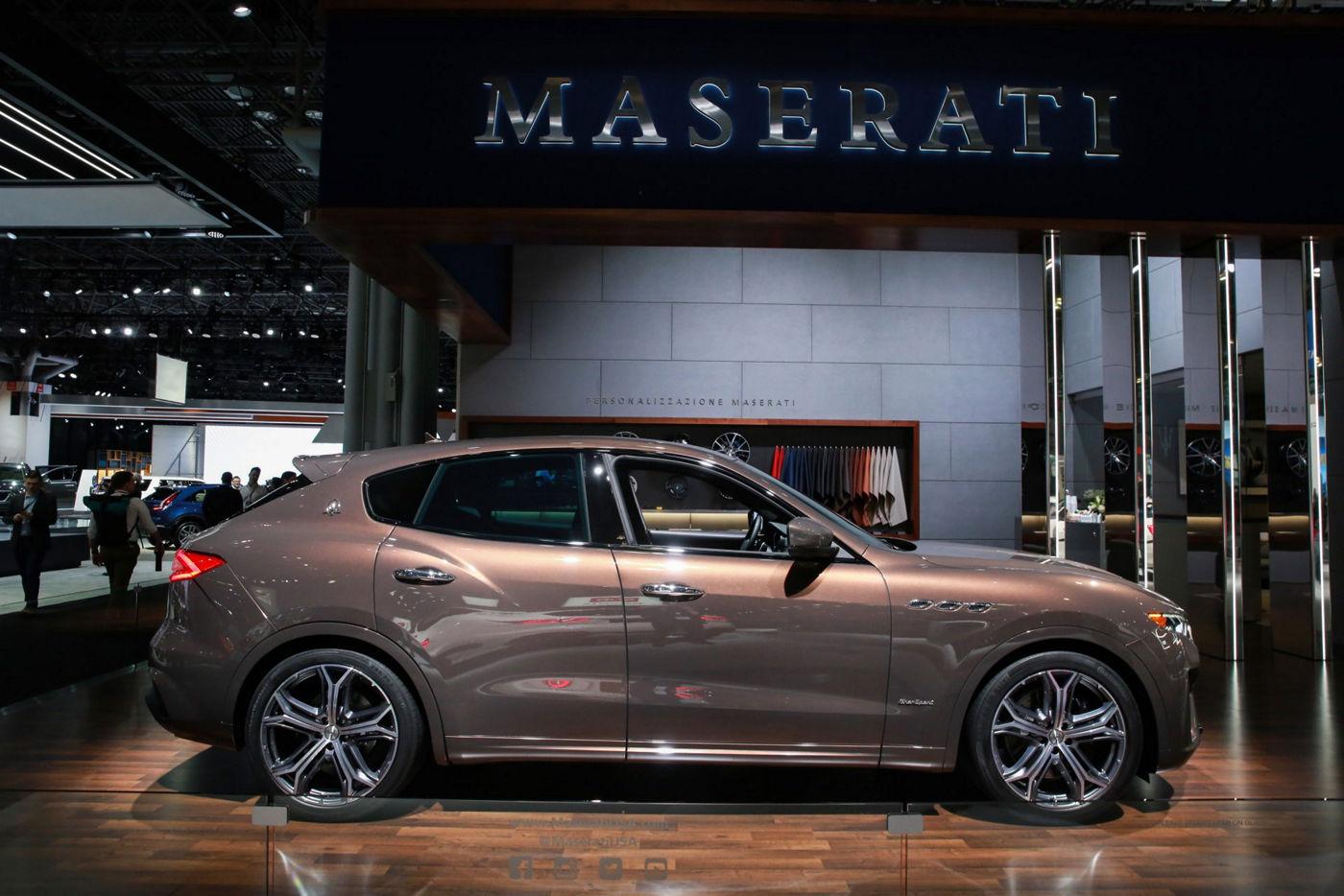 Zegna Maserati Levante Q4 GranSport - side view - Pelletessuta™ interior by Ermenegildo Zegna