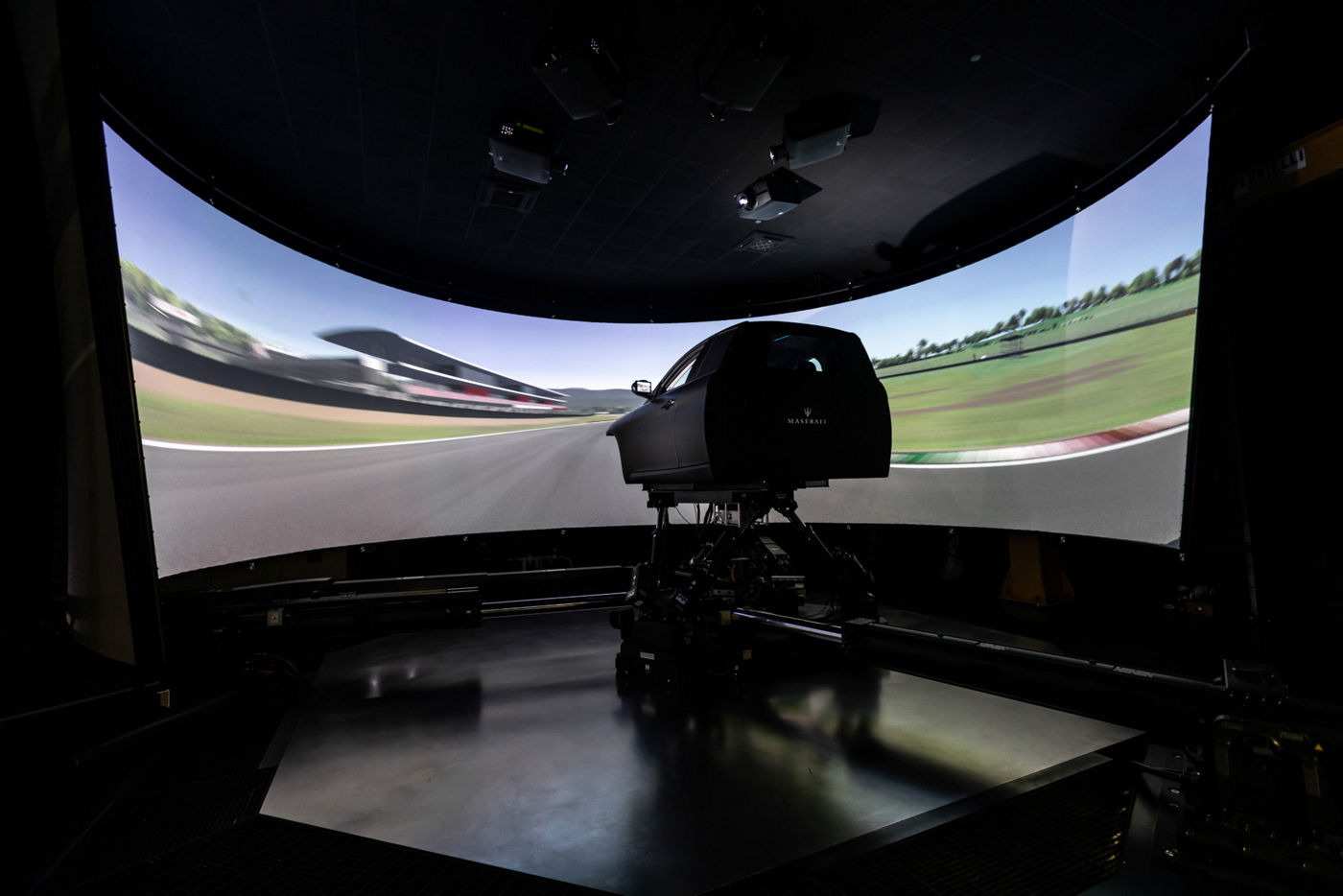 Maserati Innovation Lab Modena - Dynamischer Simulator