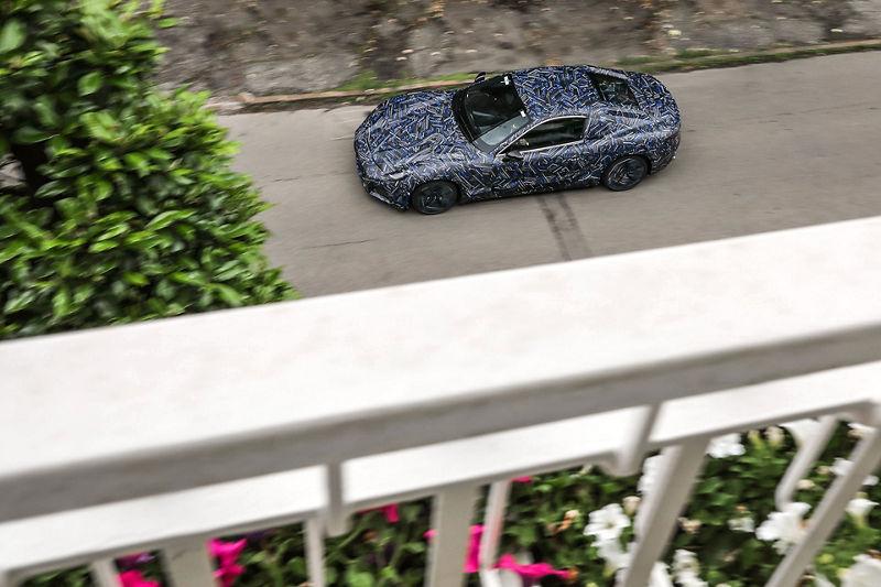 Nouvelle Maserati GranTurismo, 100% électrique : prototype vu de côté.