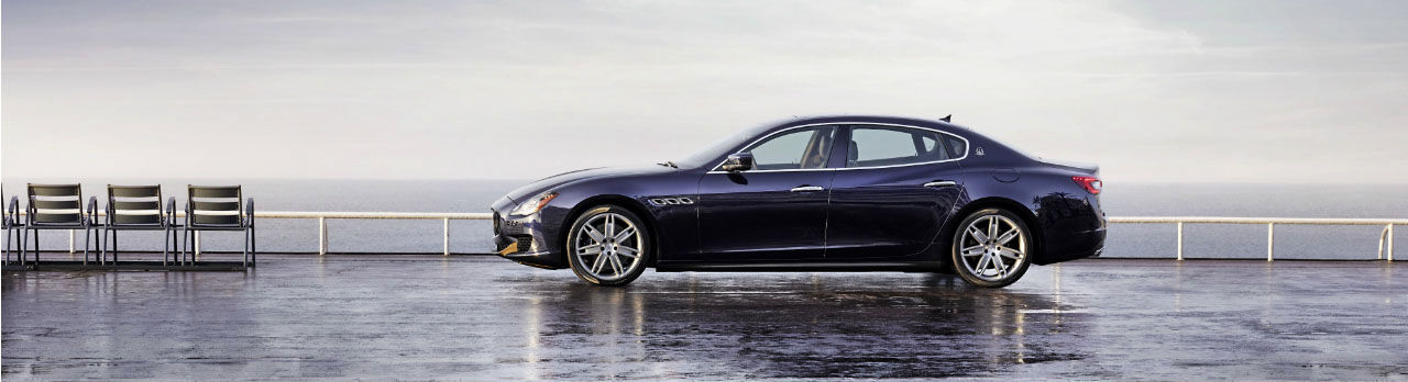 Maserati Quattroporte Slider - Berline - Carrosserie bleue - Vue latérale