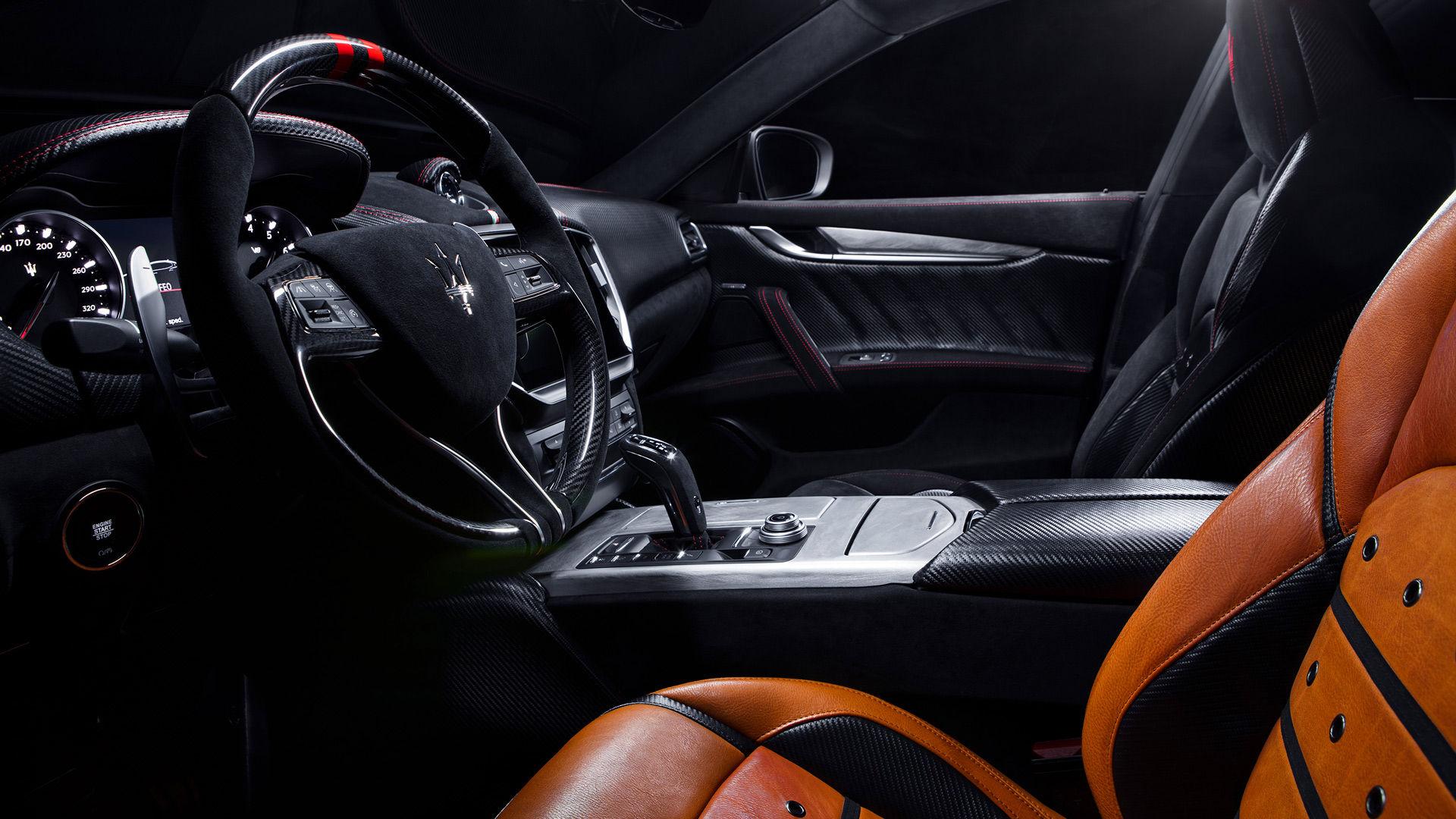 Maserati Fuoriserie Corse Levante: Interieur und Cockpit