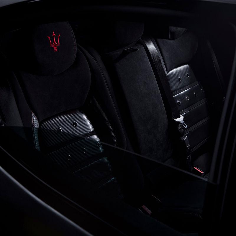 Maserati Fuoriserie Corse Levante: Schwarze Ledersitze