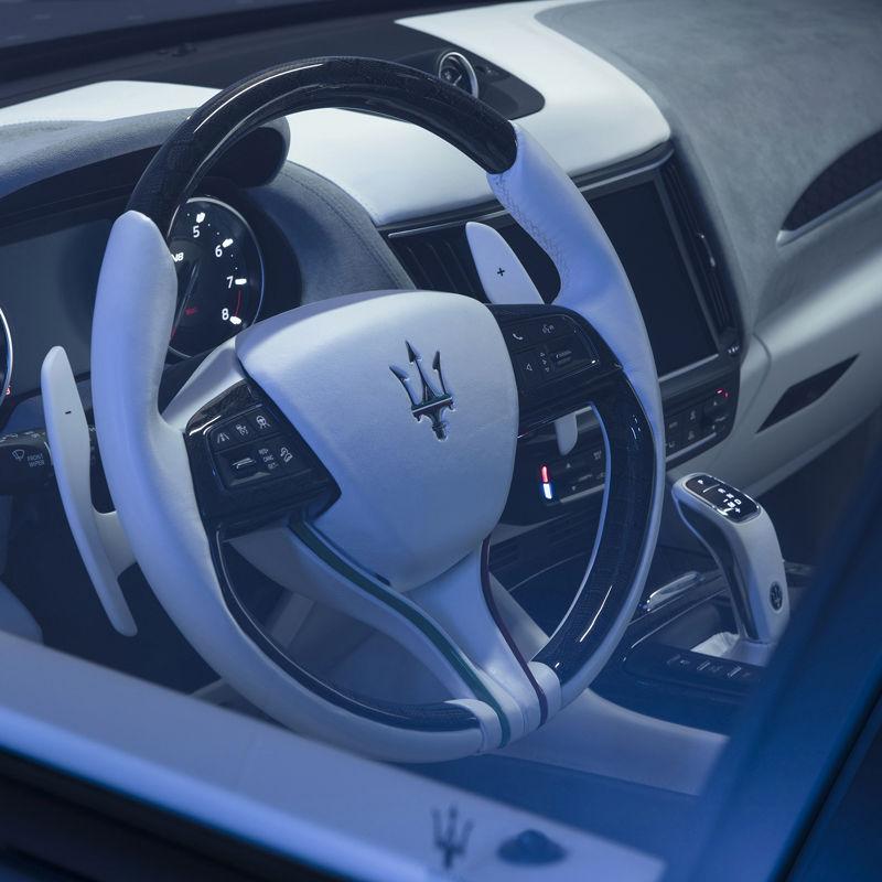 Maserati Fuoriserie Futura Levante: Lenkrad