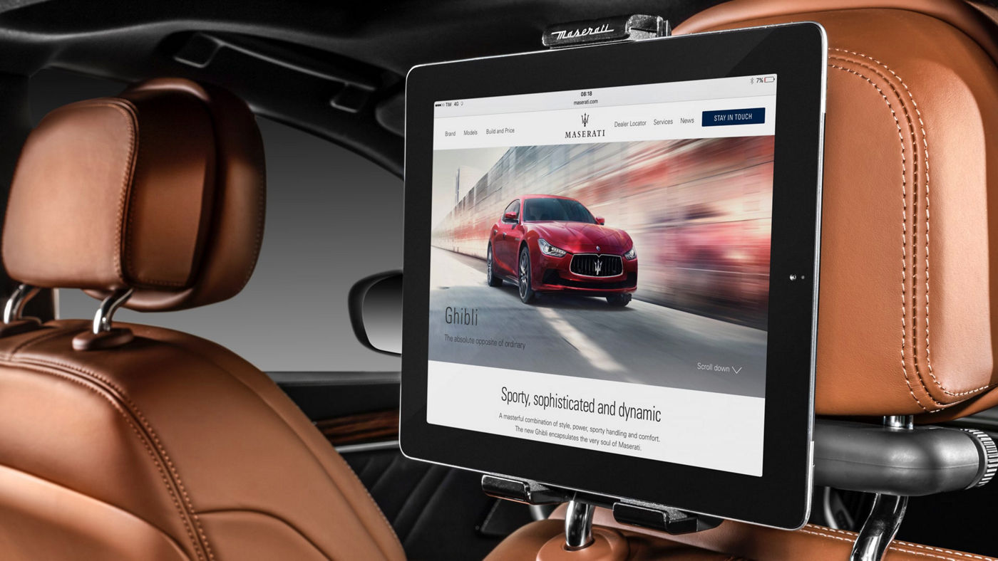 Maserati Ghibli accessories - Universal Tablet Holder and Hot Spot Wi-fi Connection Module