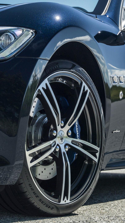 Maserati GranCabrio accessories for rims, blue brake caliper