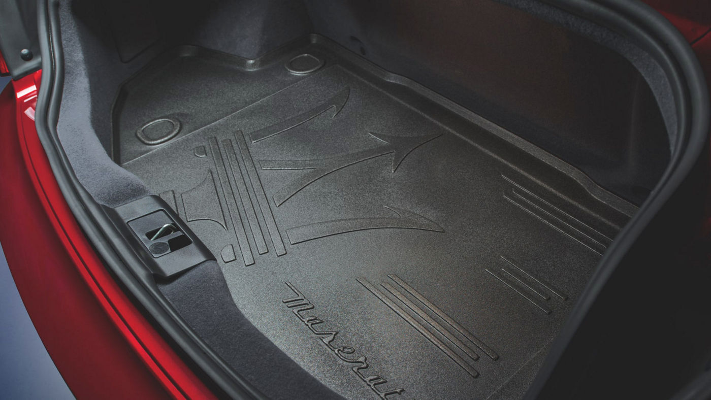 Maserati GranTurismo accessories - luggage mat
