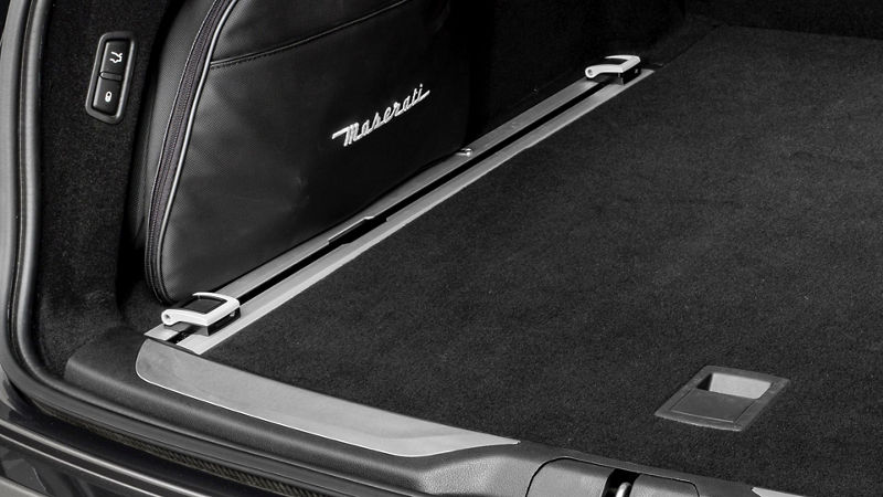 Maserati Levante accessories - luggage rails
