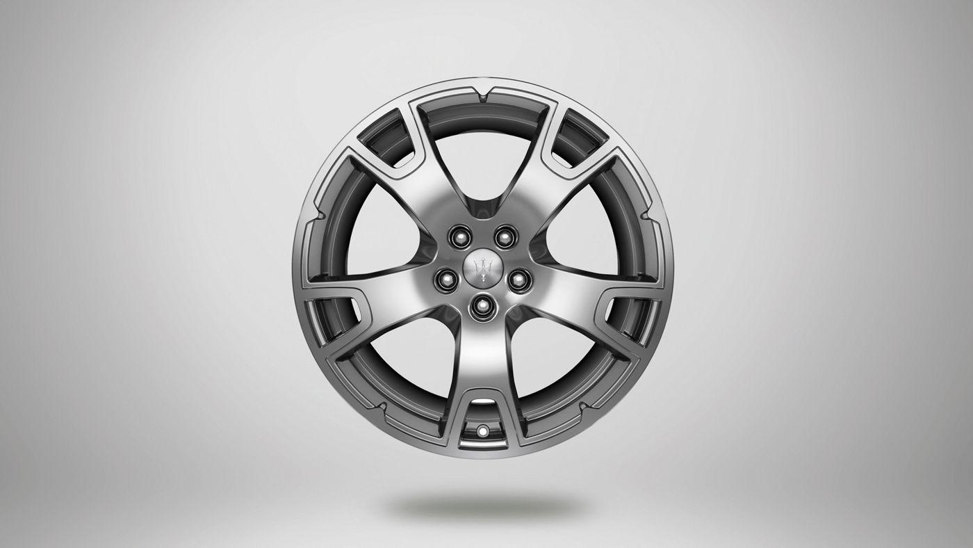 Maserati Levante rims - Nereo, glossy silver rim