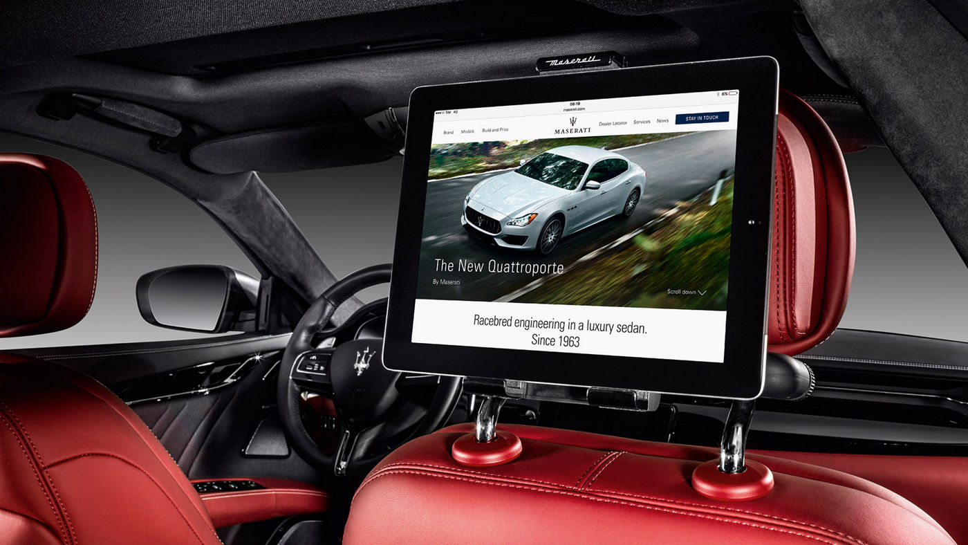 Quattroporte Accessories - Universal Tablet Holder