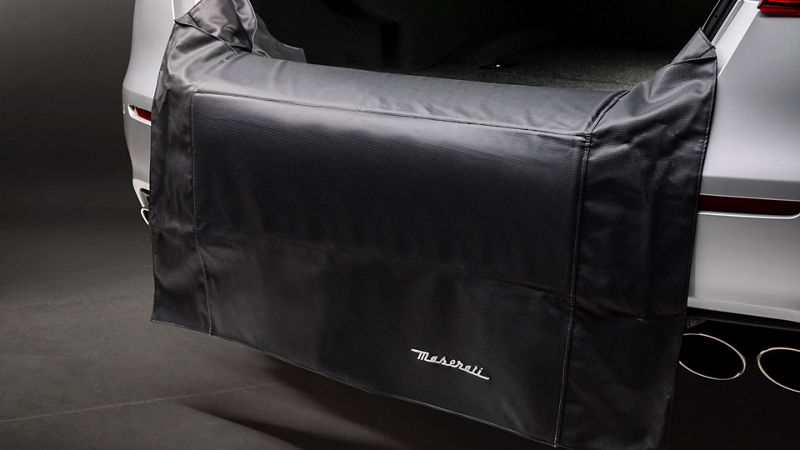 Maserati Quattroporte Zubehör: Transport- und Ladelösungen: Ladekantenschutzmatte