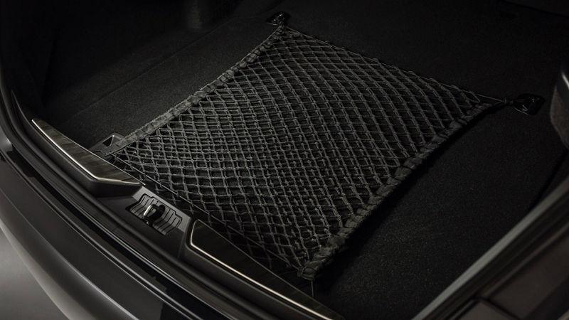 Maserati Quattroporte - accessories for luggage space