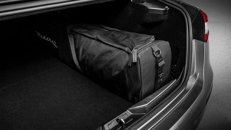 Maserati Quattroporte accessories - Ski/Snowboard Bag
