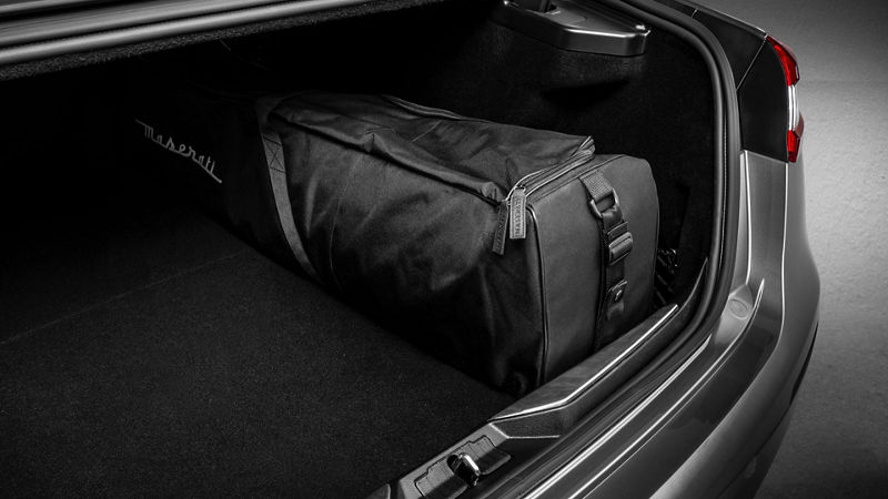 Maserati Quattroporte Zubehör: Maserati Markengepäck, Ski/Snowboard Tasche