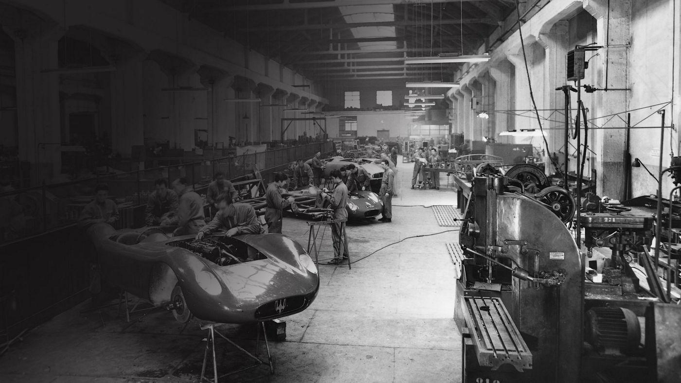 Historisches Bild von der Maserati Fabrik