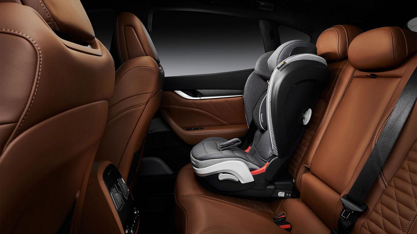 Maserati Levante Zubehör: Kindersitz für Sicherheit - Sicherheitszubehör