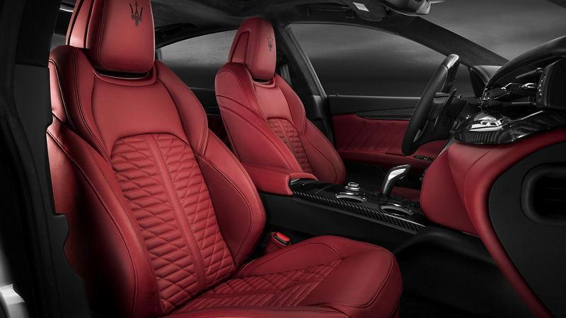 Maserati - Détail de sièges et intérieurs - Rosso