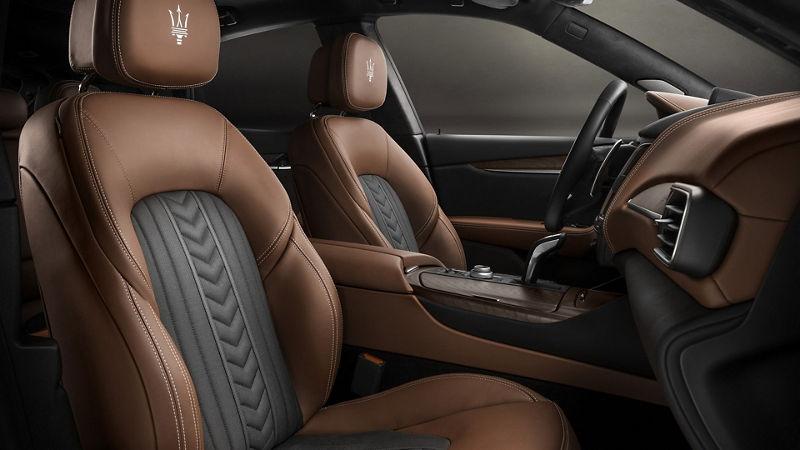 Maserati - Détail de sièges et intérieurs - Marrone