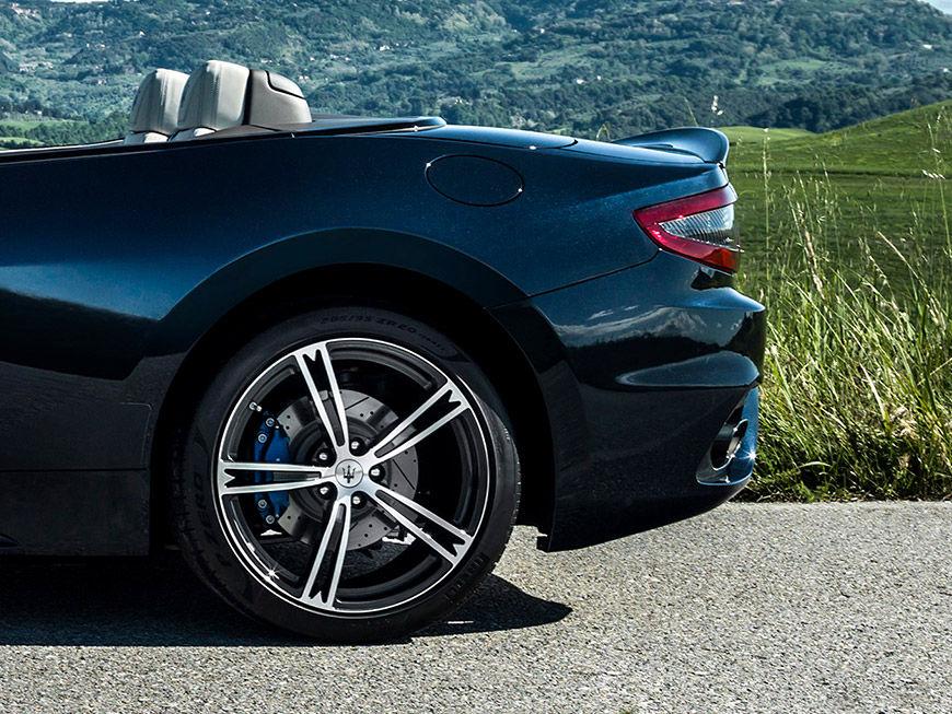 2018 Maserati GranTurismo Convertible Rear Wheels
