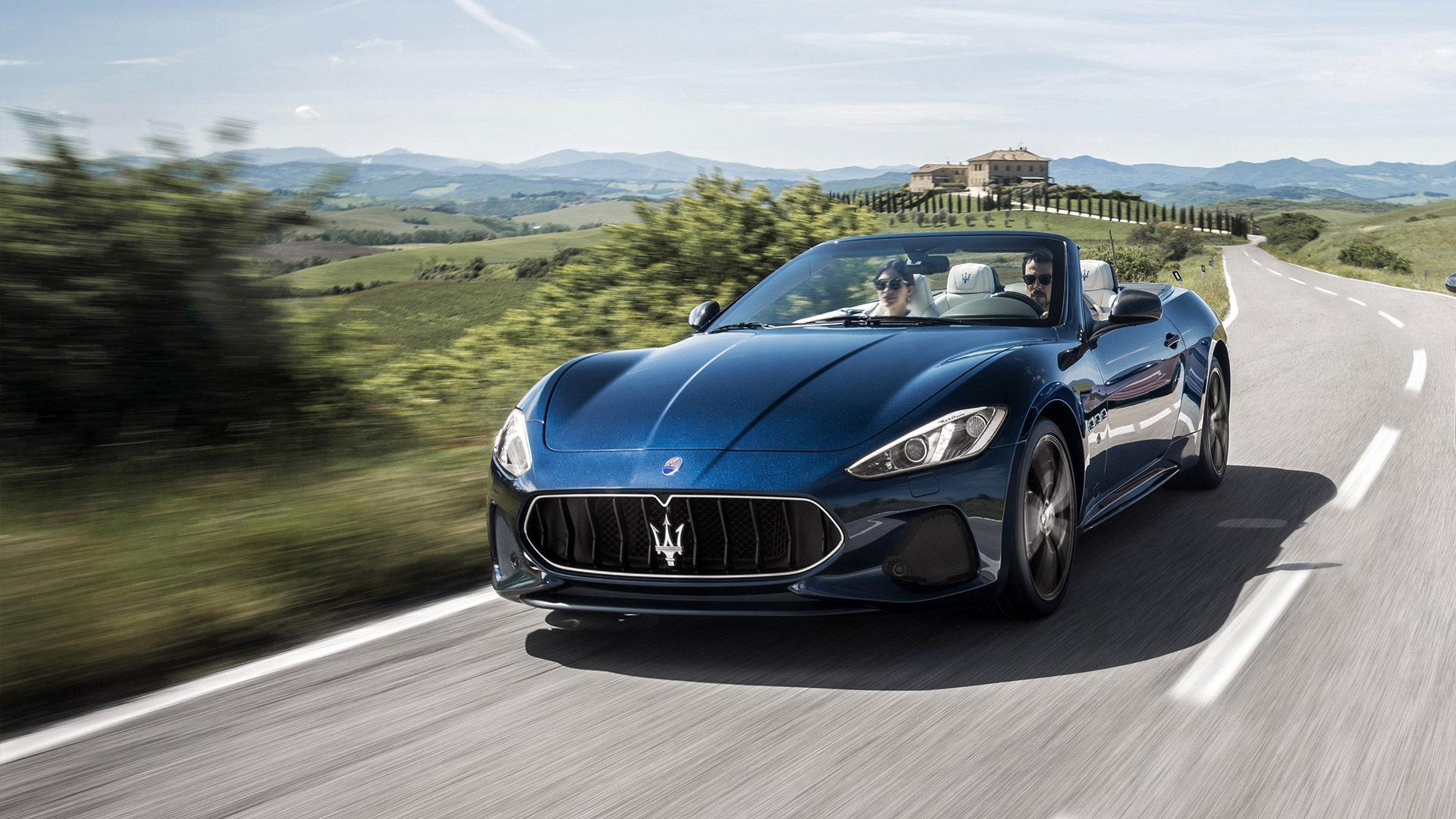 Maserati GranTurismo Sport MC Cabriolet 2018 - carrosserie bleue - vue latérale - essai routier