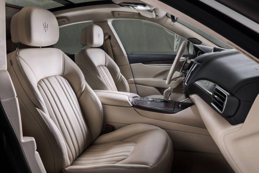 2018 Maserati Levante GranLusso Front Seats