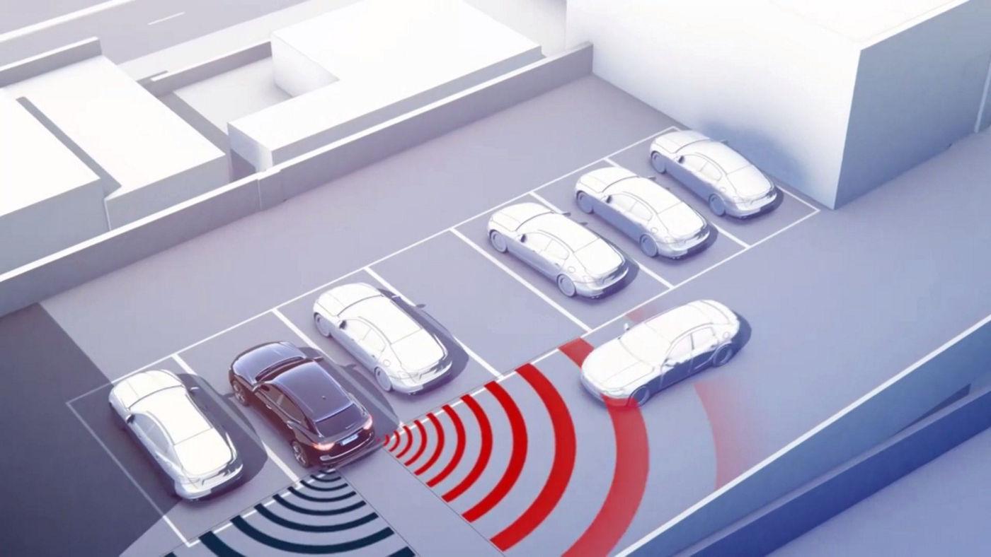 Maserati Advanced Driver Assistance Systems - video sample of rear backup sensor system
