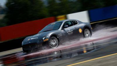 High-Performance Maserati Modelle auf der Rennstrecke - Master Track Warm Up Fahrtraining