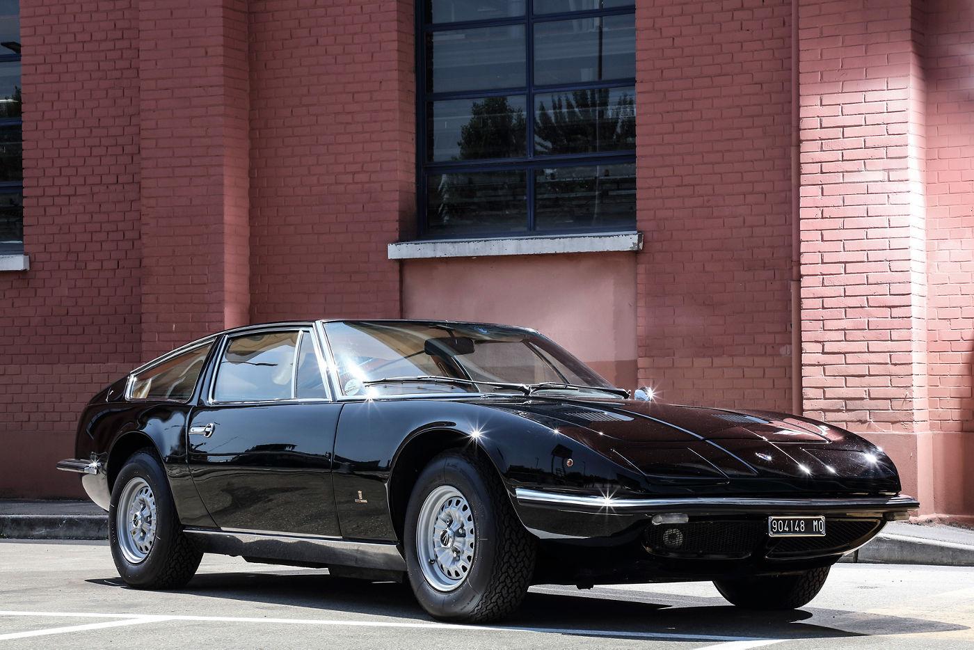 50 Jahre Maserati Indy Coupé, Lackierung Oro Metalizzato, Seitenansicht