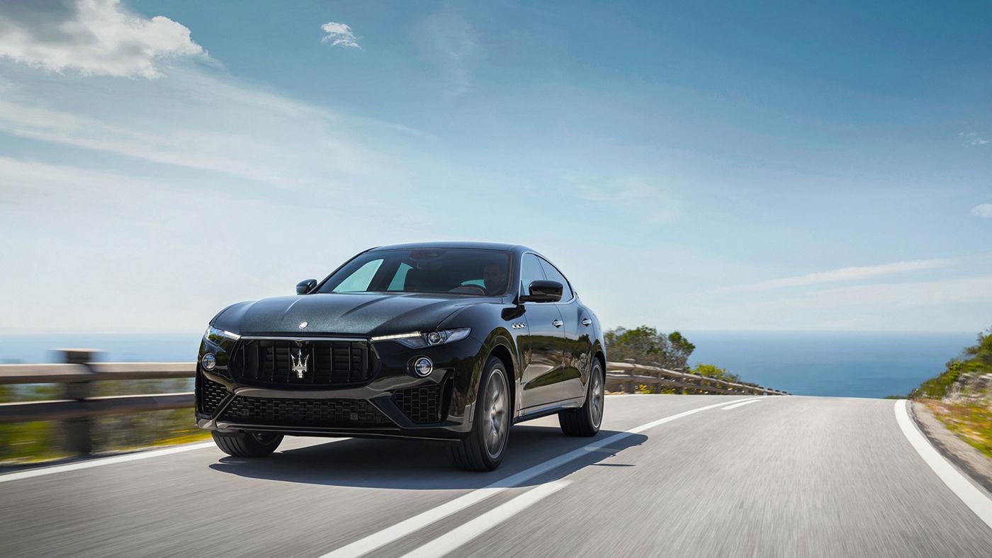 Maserati Levante in Fahrt, Frontansicht des Luxus-SUVs