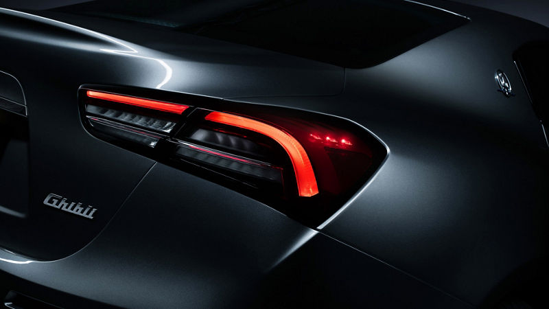 Neue Maserati Executive-Ausstattung für Ghibli Hybrid: Rückleuchte