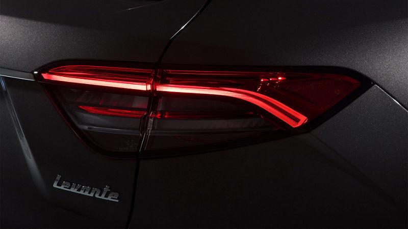 Neue Maserati Executive-Ausstattung für Levante: Rückleuchte