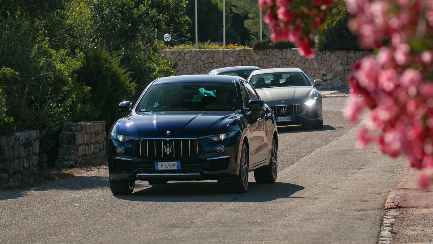 La gamma Maserati MY19 per le strade della Costa Smeralda, in Sardegna