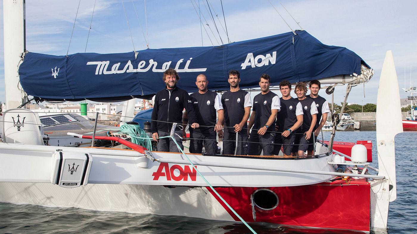 La squadra di Maserati Multi70 da sinistra: Giovanni Soldini, Guido Broggi, Oliver Herrera Perez Carlos Hernandez Robayna, Matteo Soldini, Franois Robert, Nico Malingri