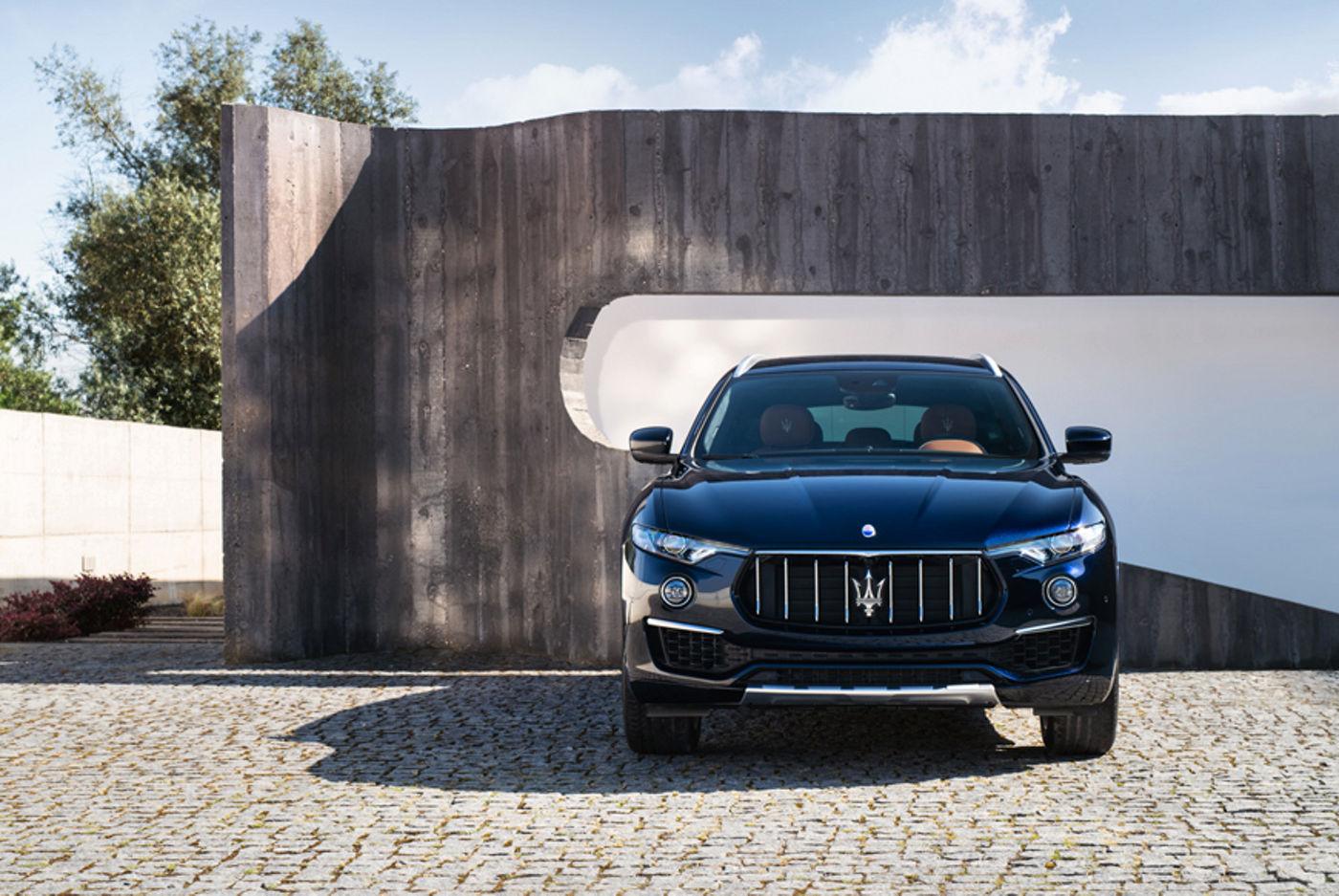 Maserati Levante nera MY19: il SUV della Casa del Tridente. Disponibile anche con la formula di noleggio a lungo termine