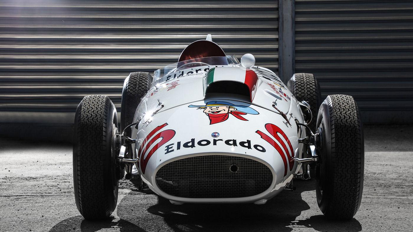 La monoposto d'epoca Maserati eldorado - vista frontale