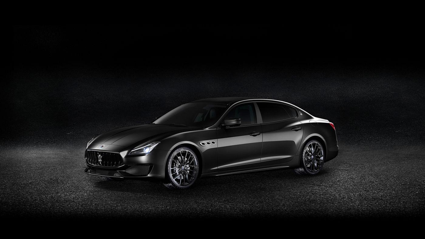 Black Maserati Quattroporte - Sedan - Side view