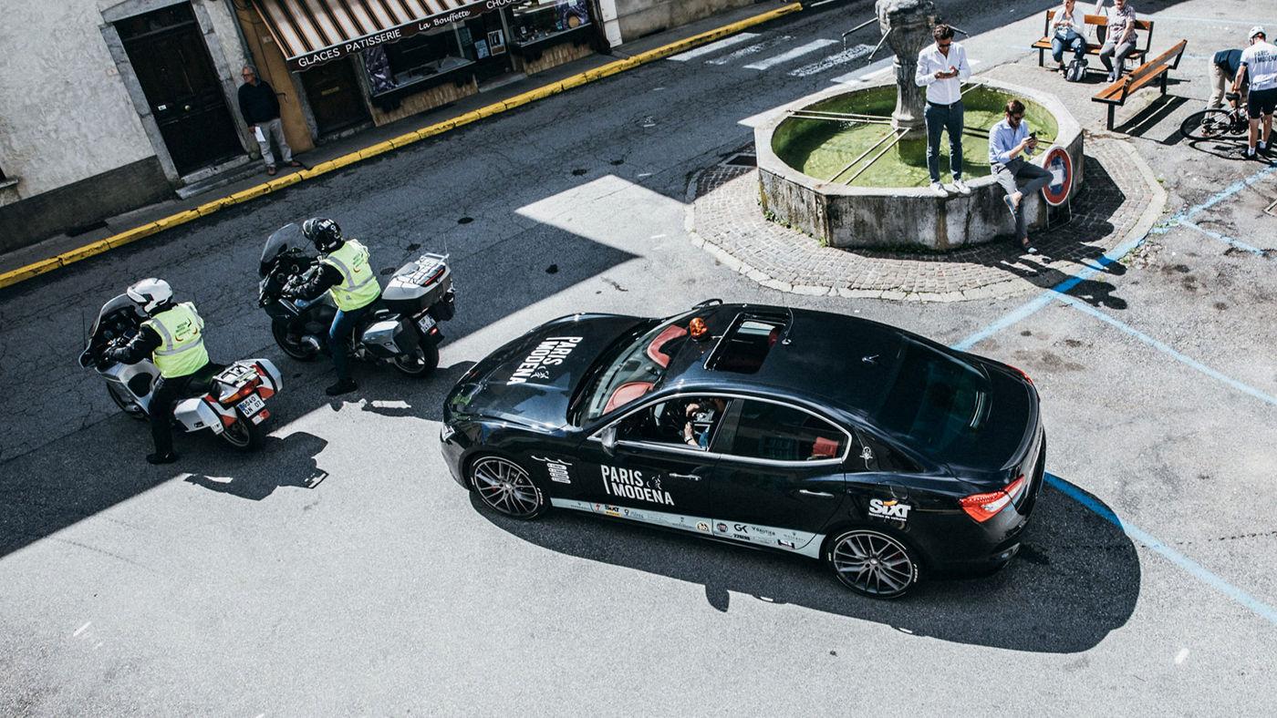 Maserati scorta il tour ciclistico nelle varie tappe previste