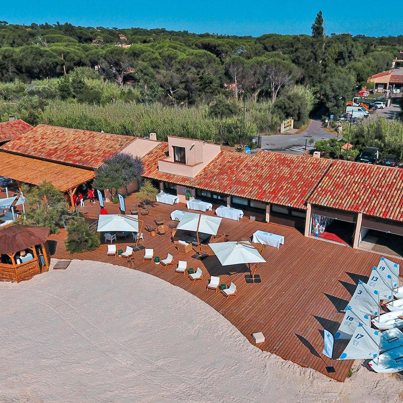 Yacht Club von Saint-Tropez ist Maserati-Partner: Luftbildaufnahme