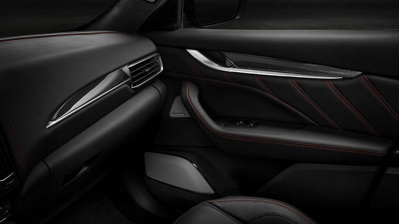Maserati interior – Full Premium Perforated nero/rosso leather - Bowers & Wilkins Ultra Premium Audio system