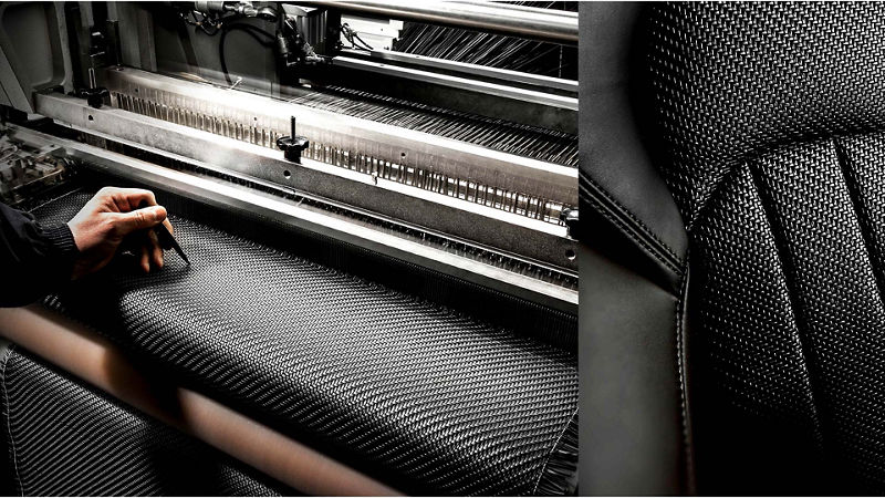 Maserati Zegna Pelletessuta interiors - Working at the weaving loom