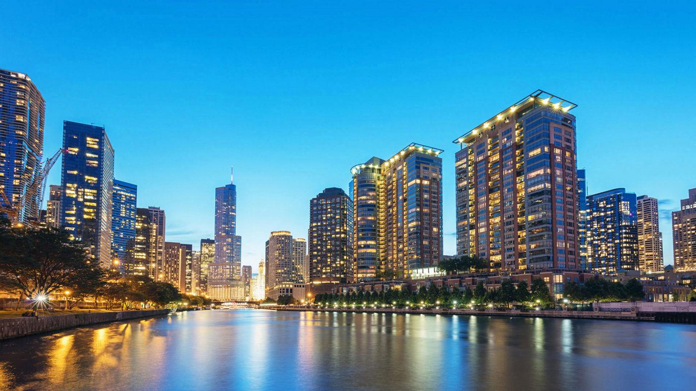 Chicago et ses gratte-ciels illuminés